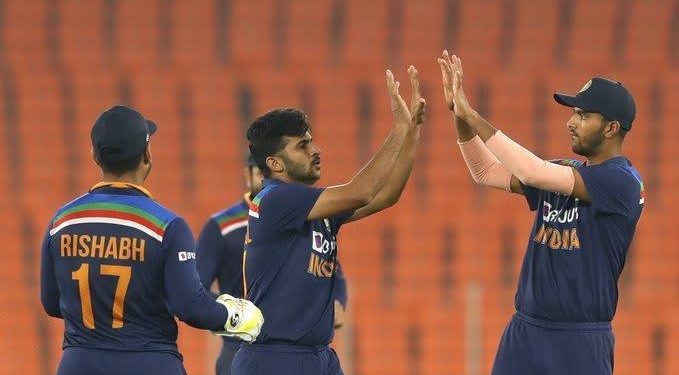 India defeat England to win their 6th T20I series in a row