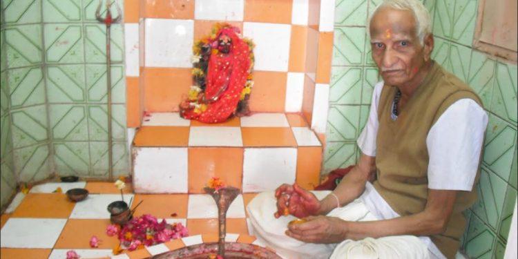 Pandit Murlidhar Bhatt Nishkam Karmayogi of Banswara Dr. Deepak Acharya